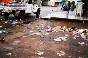 Lixo de carnaval fora de epoca deixa ruas totalmente sujas 10(1)